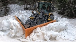 Komatsu in Deep Snow