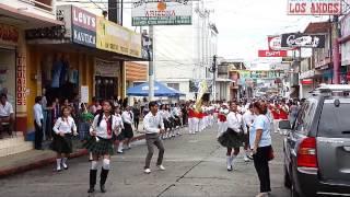 preview picture of video 'IPMM Banda Latina - Desfile Previo al Concurso de Bandas Escolares 2013 Malacatan'