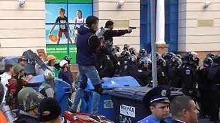 Одесса  коктейли молотова и оружие у демонстрантов   02.05.14 г. (полное видео с Греческой, часть 3)