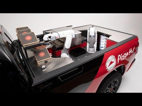 Pizza Hut & Toyota: Robots im Auto machen die Pizza