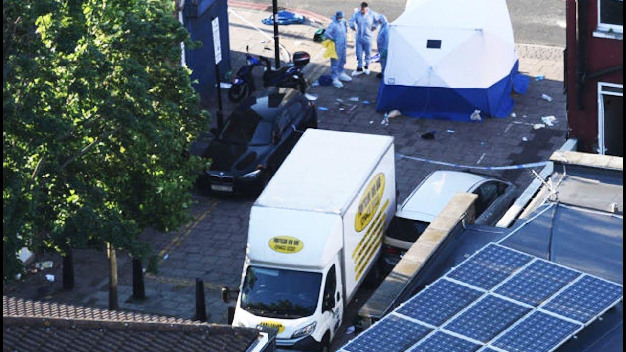London Terrorist Runs Over Crowd Of Muslims thumbnail