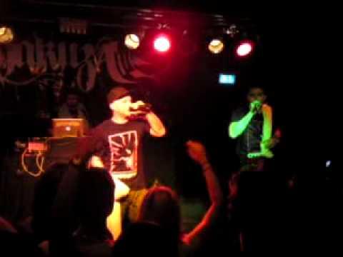 Chakuza - Stahlstadtjunge Live Köln(22.05.2010) .MP4