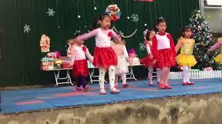 Múa Bé vui Noel - các bé mẫu giáo nhỡ