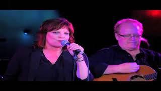 Eileen Carey Live