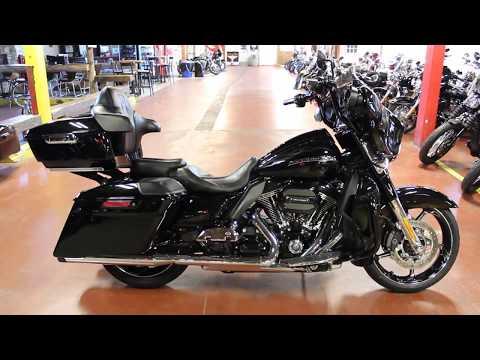 2016 Harley-Davidson CVO™ Street Glide® in New London, Connecticut - Video 1