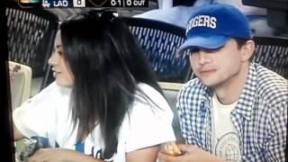 Мила Кунис, Мила и Эштон на стадионе Dodger Stadium 22 августа 2012