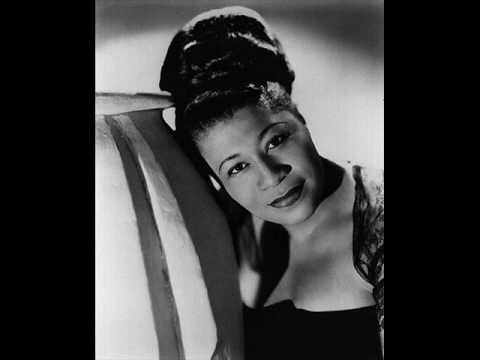 Jazz•Street / Ella Fitzgerald – It don't mean a thing (with lyric)