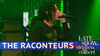 The Raconteurs Perform 'Bored And Razed'
