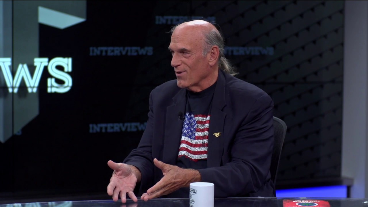 Jesse Ventura On His Fight With 'American Sniper' Chris Kyle thumbnail