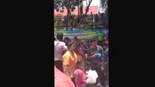 preview picture of video 'Trang Songkran on Street 2014'