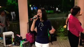 不装饰你的梦  乐儿  旺角菜街艺人 土瓜湾海心公园表演 Singing 2018年6月7日