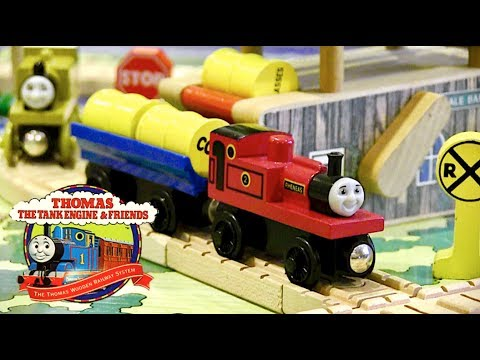 Around the Barrel Loader Set Review | Thomas Wooden Railway Discussion #82