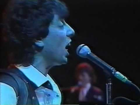The Things We Do For Love / 10cc - Live