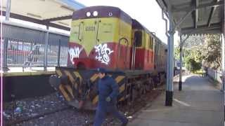 preview picture of video 'Ferroclub Argentino GE U13C N°G601 en CDP Lynch 08/09/2012'