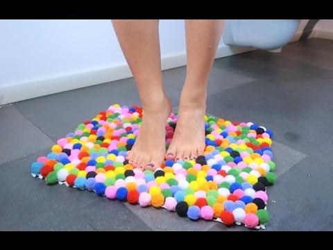 Come realizzare un tappeto di pompon