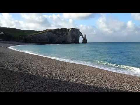 Этрета. Шум волн на пляже.