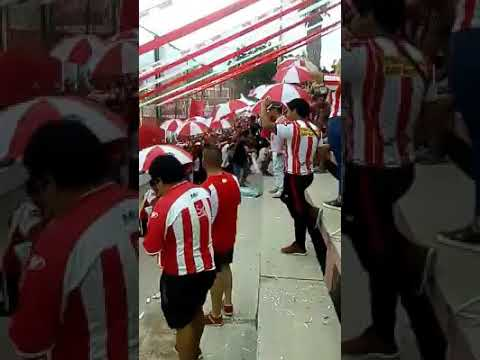 """""""Entrada de Los leones del este! Atlético Club San Martín"""" Barra: Los Leones del Este • Club: San Martín de Mendoza"""