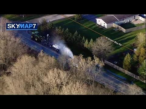 Plumes of a toxic gas that leaked in a northern Chicago suburb Thursday morning sent dozens of people to hospitals and prompted an order for residents to stay locked inside their homes with windows shut tight, officials said. (April 25)