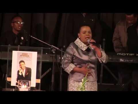 HEARTBREAKING: Rebecca Malope breaks down in tears as she pays tribute to Lundi Tyamara
