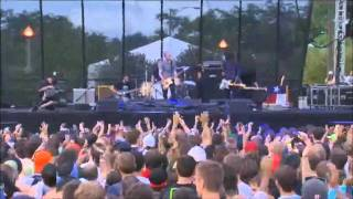 Explosions in the Sky - The Birth and Death of the Day (Live at Lollapalooza 2011)