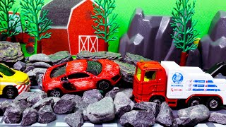 Car that passed the stone road breakdown. Repair at Siku garage. Tomica car toy play