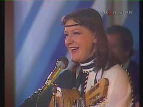 Жанна Бичевская, Дин Рид, Бисер Киров - Светит месяц (1985)