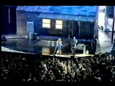2001 - Eminem - I'm Back & The Real Slim Shady [Live Brit Awards] Mp3