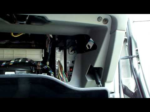 how to replace cabin air filter on 2002 2005 toyota camry. Black Bedroom Furniture Sets. Home Design Ideas