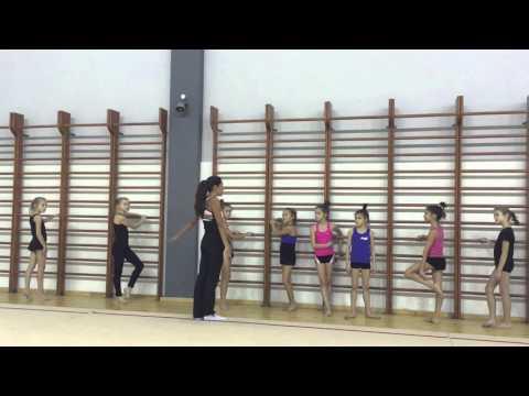урок по художественной гимнастике преподаватель Гарипова ЭФ