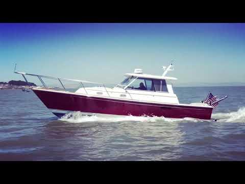 Hunt Yachts Surfhunter video