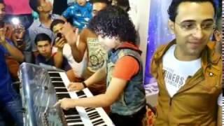 موهبه جامده جدا اصغر مطرب فى مصر بيعزف على الاورج على انغام الموسيقار محمد مصطفى