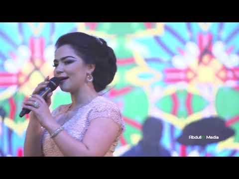 Нигина Амонкулова - Гуфтам бирав (Клипхои Точики 2016)