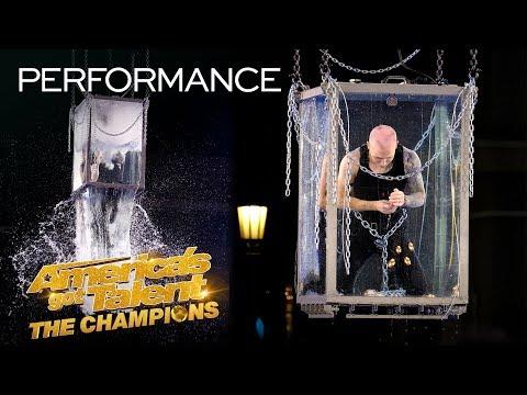 Spencer Horsman Attempts His MOST DANGEROUS Escape Yet! - America's Got Talent: The Champions (видео)