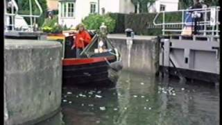 preview picture of video 'Marlow Lock and Thames Bridge 1988'