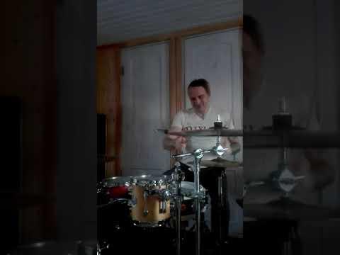 Кино Троллейбус- партия ударных-барабаны