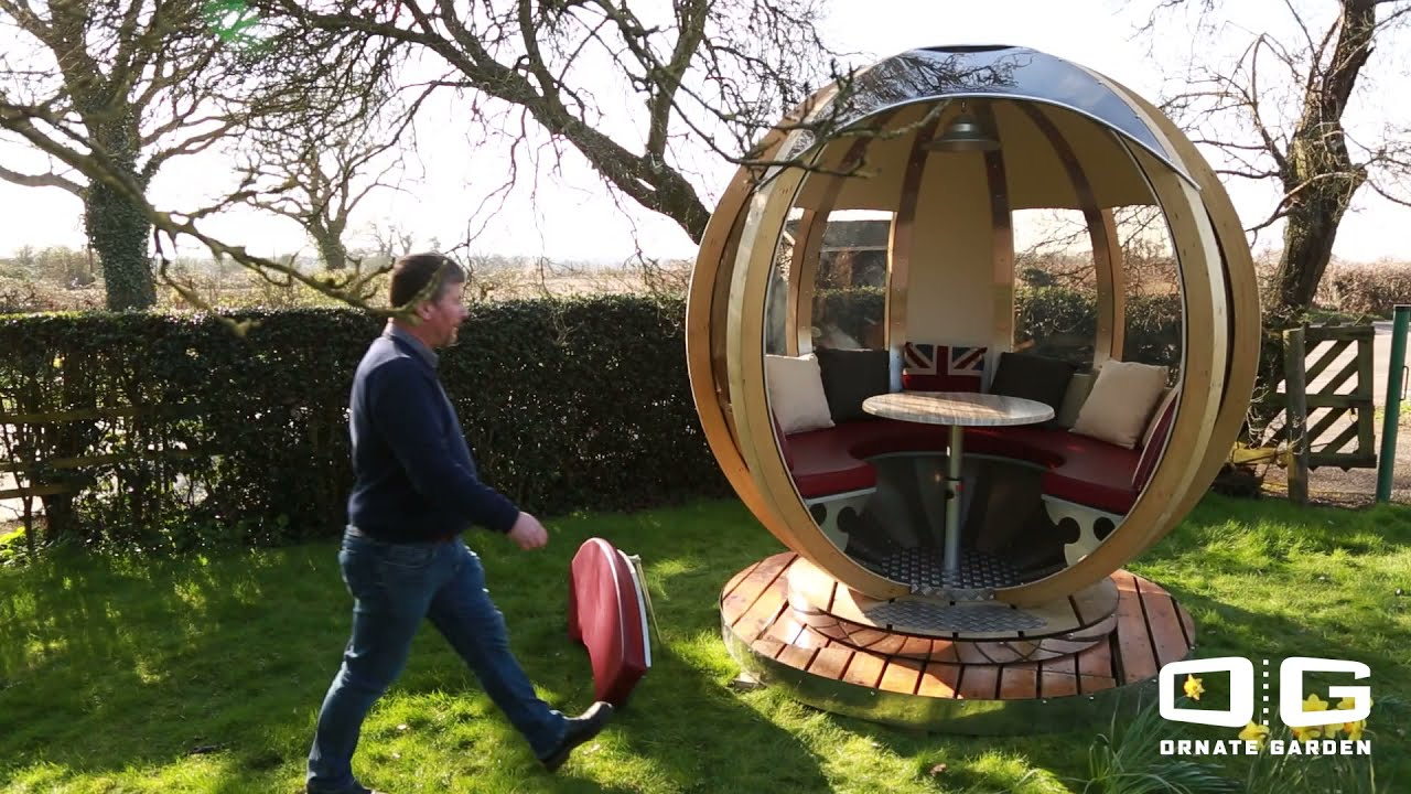 Luxury Rotating Lounger Garden Pod