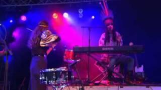 Bat For Lashes - Tahiti (Glastonbury 2007)