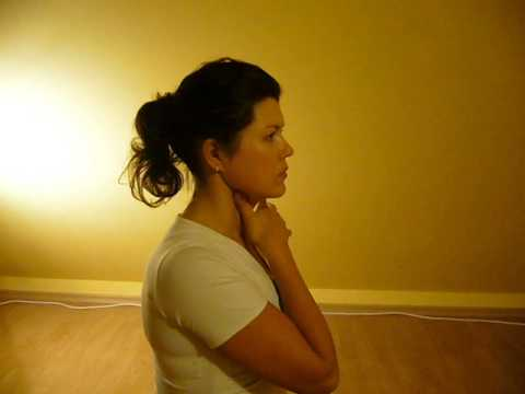 Ból po mięsień mostkowo-obojczykowo-sutkowy