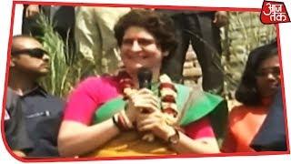 गंगा में बोट यात्रा से एक साथ कई निशाने साध रही हैं Priyanka Gandhi