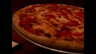 Famous John's Pizza (Foodie Review)