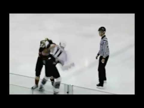 alex-grieve-vs-charlie-vasaturo-hockey-fight-jan-14-2011