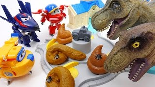 Dinosaur Poops Everywhere~! Go Go Super Wings Clean Up The Town