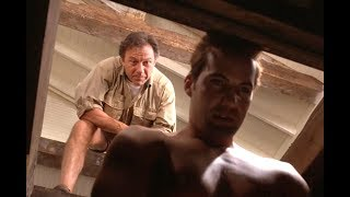 男子出海回来,却在地窖发现了妻子前男友的尸体,一部犯罪喜剧片