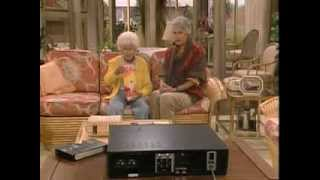 """THE GOLDEN GIRLS """"SOPHIA WATCHING PORN AND SAYS QUIET DRINKING COFFEE"""""""