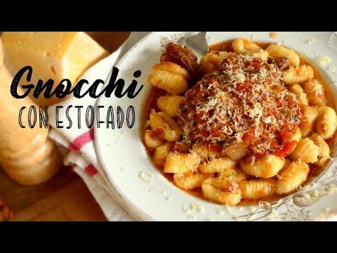 Ñoquis de Papa con Estofado de Carne / Potato Gnocchi with Meat Sauce