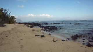 preview picture of video 'Mauritius Apartments - Tamarin Beach Apartments Mauritius Beach front on low tide 1'