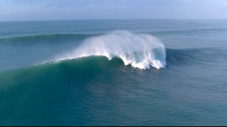 DRONE FOOTAGE OF MASSIVE WAVES IN NEWQUAY, CORNWALL, UK