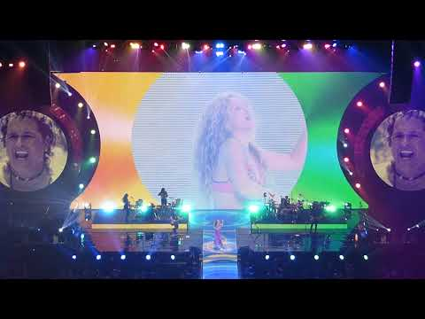 Shakira - La Bicicleta (feat. Carlos Vives) [El Dorado World Tour in Washington, DC]