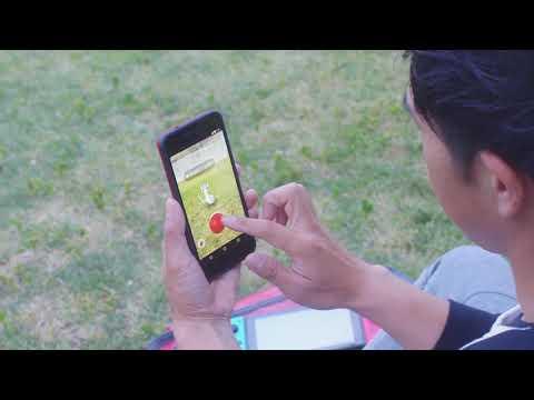 Nintendo Switch - Pokémon: Let's Go, Pikachu! Limited Edition