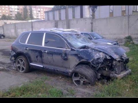 """Porsche Cayenne врезался в стоящую на светофоре """"Газель"""""""